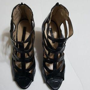 🎀 ZARA🎀 womens  strappy sandal size 10
